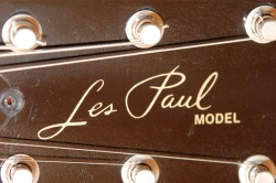 Les Paul Logo Small Buyer Beware   Fake/Genuine Les Paul Photo Comparison
